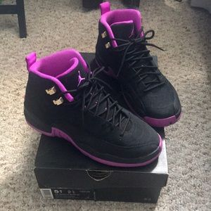 Gold star Hyper Violet & Black 12s SIZE 5 1/2